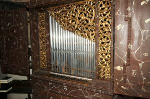 L'organo Herz della cappella di S. Giovanni Battista (21 luglio).