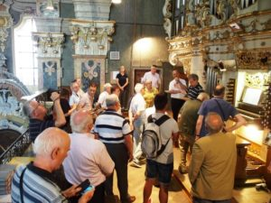 I partecipanti sulla cantoria del Duomo di Bressanone (21 luglio).