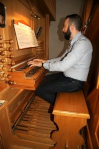 Il M° Baiocchi all'organo Ciresa (24 luglio).