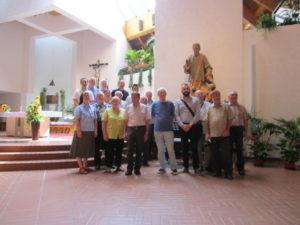 I partecipanti nella chiesa di Milland (24 luglio).