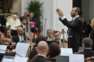 Castel Gandolfo - Il Maestro Simone Baiocchi durante il concerto
