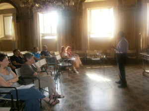 Il M° Enrico Vercesi, durante le lezioni.