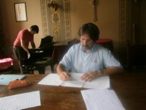 Il M° Walter Marzilli, durante le lezioni.