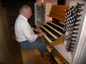 Il prof. Stucchi all'organo della Cattedrale di Monaco-Montecarlo (23 luglio).
