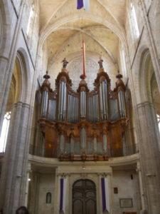 L'organo della basilica di S. Maximin la Saint Baume (24 luglio).