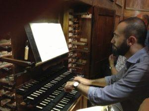 Il M° Baiocchi all'organo di S. Maximin (24 luglio).