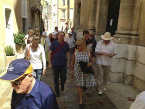 I partecipanti per le strade di Saint Tropez (26 luglio).