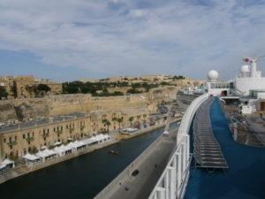 Malta, 16 novembre 2010 La Valletta, panorama della città dal ponte 12 della nave.