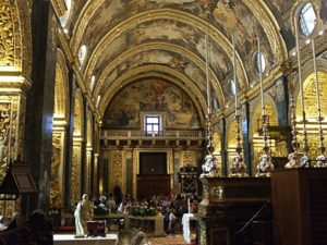 Malta, 16 novembre 2010 La Valletta, concattedrale di San Giovanni. I cantori prendono posto per il concerto.