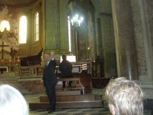 Napoli, 17 novembre 2010 Cattedrale, canto di ringraziamento prima di lasciare la città partenopea.
