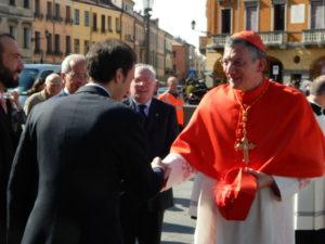 I membri del Consiglio accolgono S.E. il Patriarca Francesco Moraglia all'ingresso della Basilica del Santo.