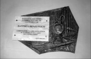 Palazzo Sant'Uffizio - Vaticano: Altorilievo con lapide in ricordo del Mº Mons. L. Perosi e del XXVIII Congresso Nazionale di Musica Sacra (25 Novembre 2006).
