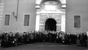 Palazzo Sant'Uffizio – Vaticano: congressisti presenti all'inaugurazione dell'Altorilievo 'L. Perosi' (25 Novembre 2006).