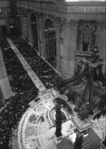 Basilica S. Pietro - Vaticano: Celebrazione Eucaristica animata dalle Scholae Cantorum (26 Novembre 2006).