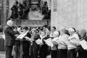 Basilica S. Pietro - Vaticano, Celebrazione Eucaristica. Il prof. C. Stucchi dirige il Coro guida dell'Assemblea (11 Novembre 2012).