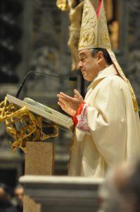 Savona, 18 novembre 2010 Cattedrale, S. E. Mons. Lupi durante l'omelia.