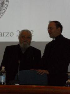 P. Enzo Bianchi con il Presidente Mons. Cola.