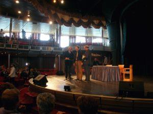 Venezia, 13 novembre 2010 Il Presidente Mons. Cola, l'avv. Poltronieri e il M° Manganelli, in attesa di aprire ufficialmente la Crociera.