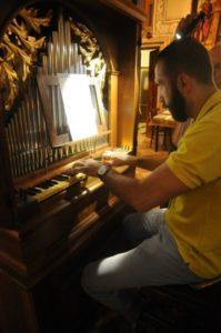 Il M° Baiocchi all'organo Zanin (24 luglio).